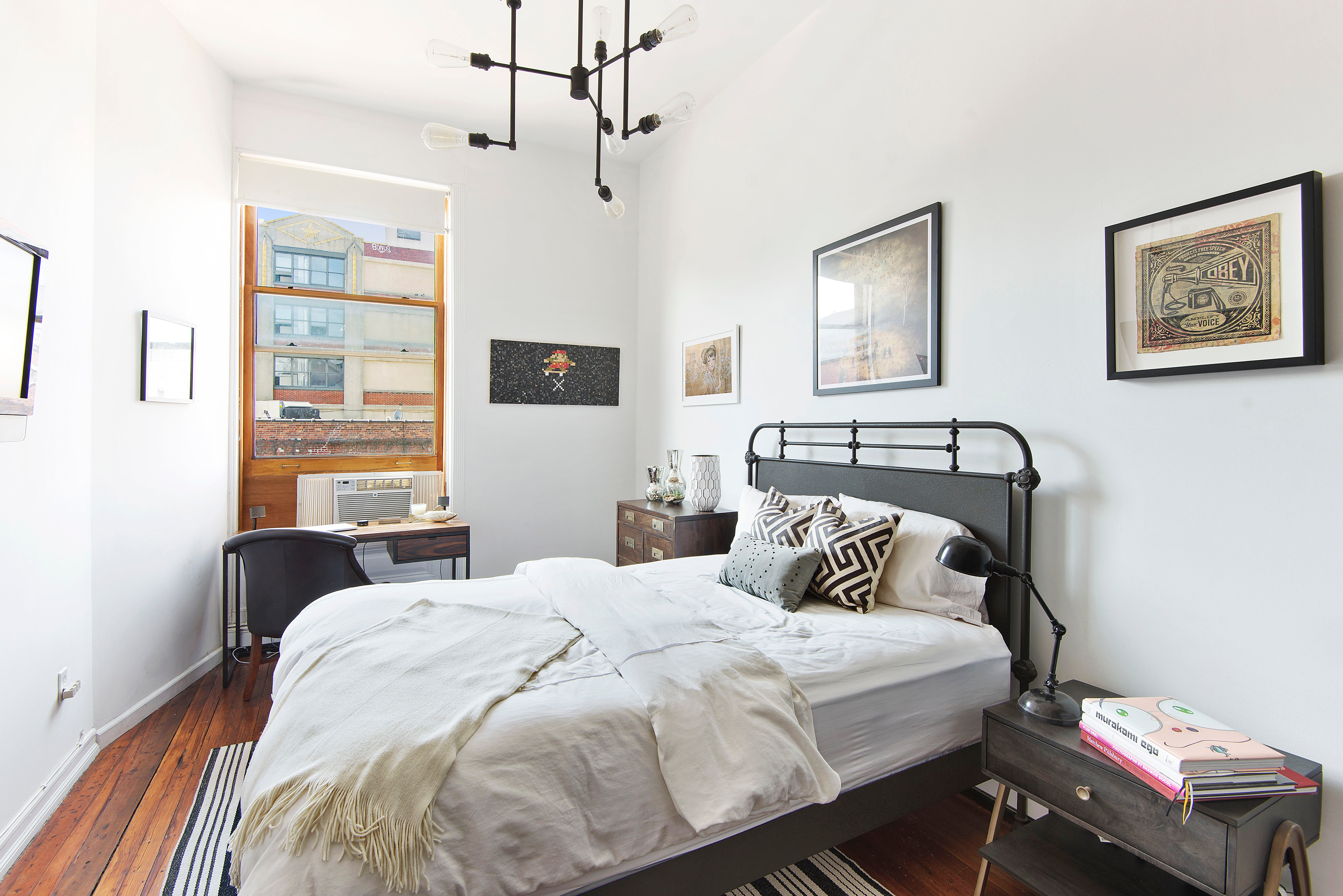 A Bachelor Pad in Brooklyn || Designed by Havenly