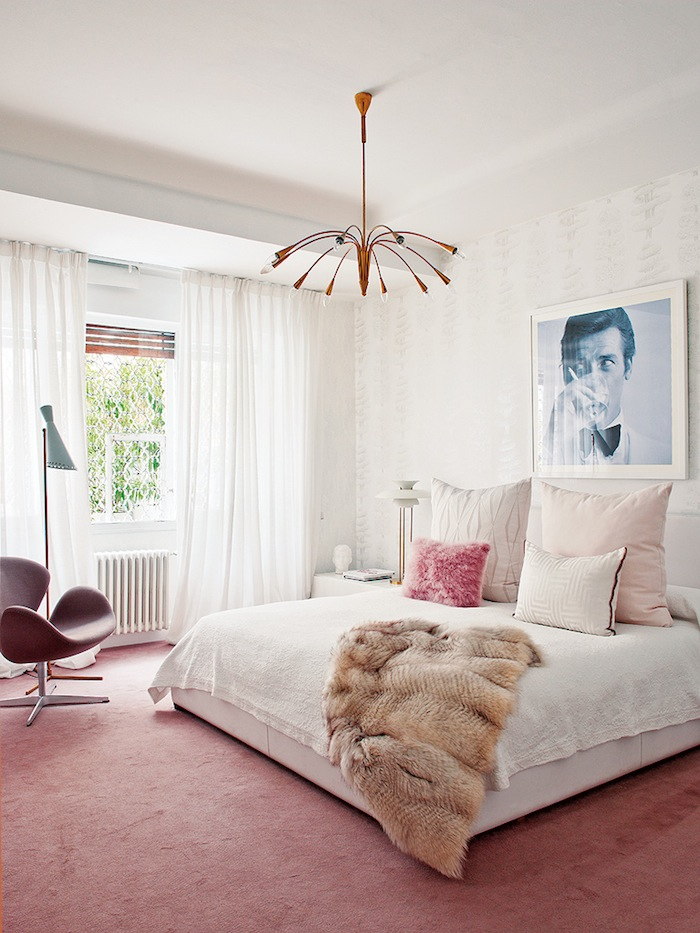 Tour the ultimate bachelorette pad the havenly blog for Bachelorette bedroom ideas