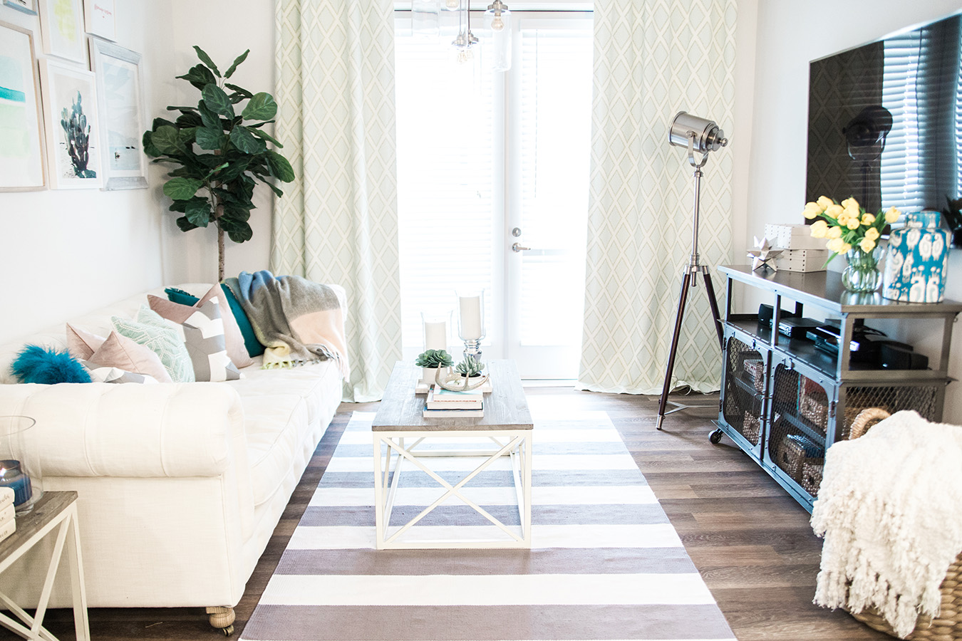 """Hang Curtains All The Way To The Ground"""" title_align=""""separator_align_center"""" el_width=""""100″ style=""""solid"""" accent_color=""""#EEEEEE"""" padding=""""20px 0″ ..."""