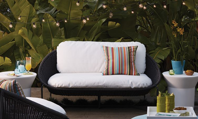 String Lights Work Magic In A Patio Setting U2013 #patio Design Ideas