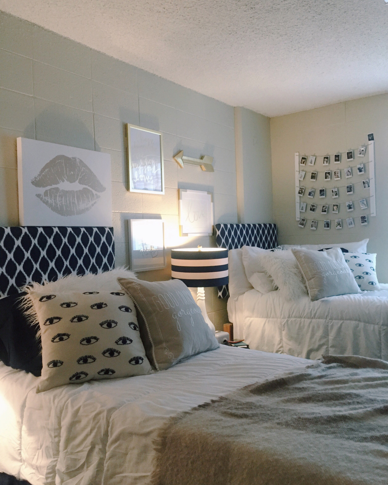How To Decorate Your Dorm Without Damaging Your Walls | Havenly Hideaway