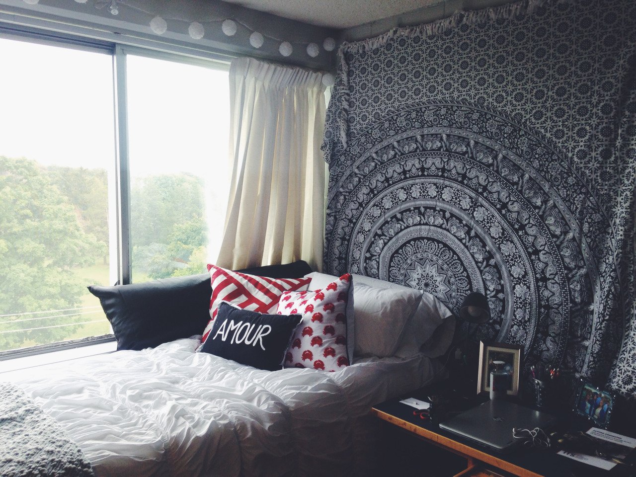 How To Decorate Your Dorm Without Damaging Your Walls Havenly Hideaway