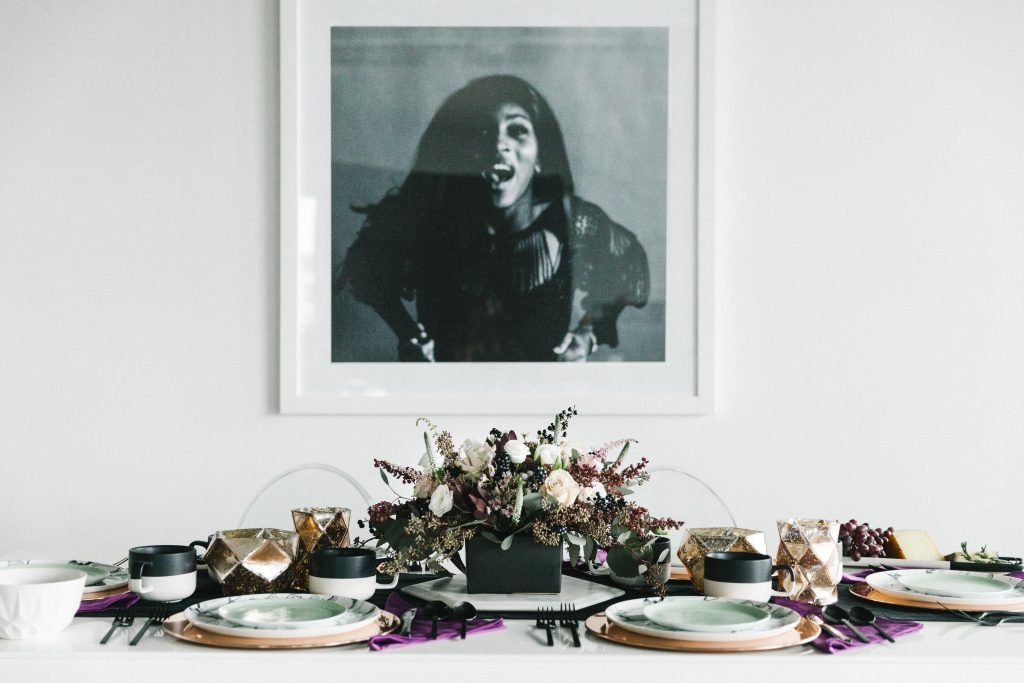 5 Tips for Styling a Modern Tablescape