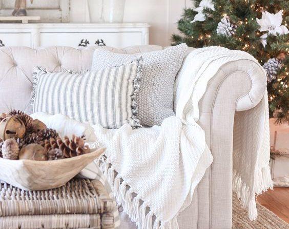 decorator_decorates_holidays