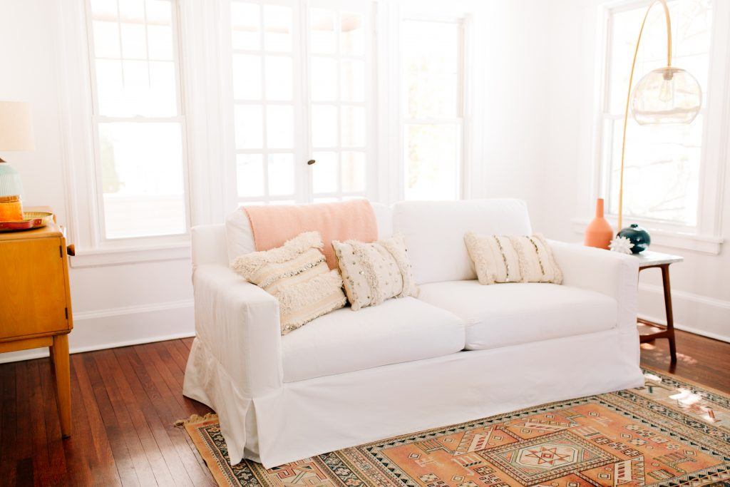 Everything You Need to Know About Throw Pillows