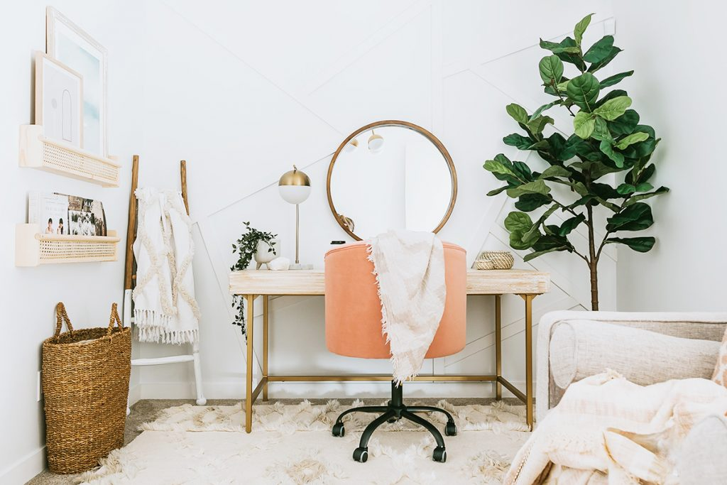 5 Ways to Fill Your Home Office with Good Vibes