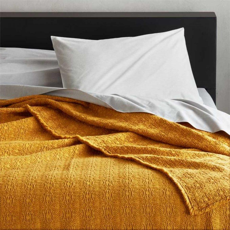 Prelada Golden Full/Queen Blanket