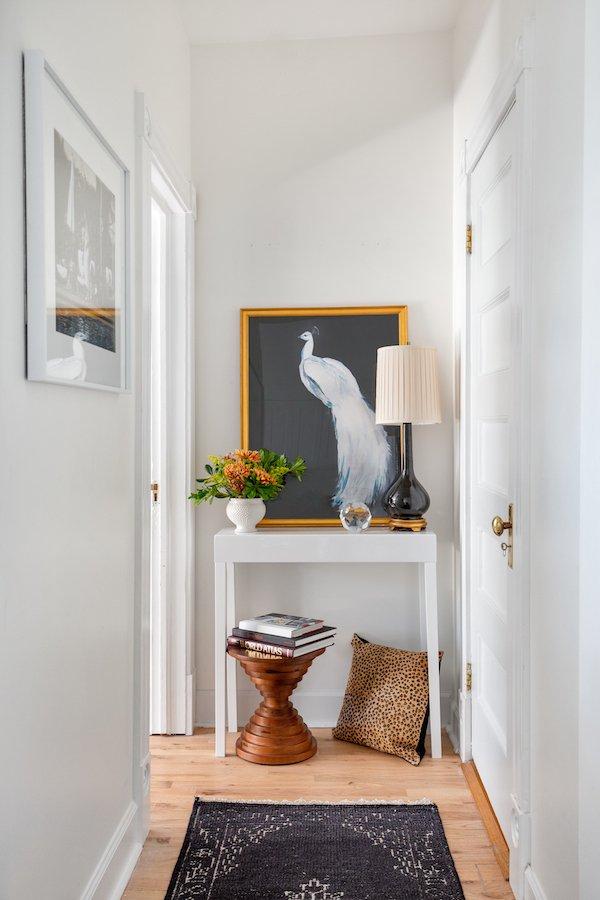 narrow hallway decor