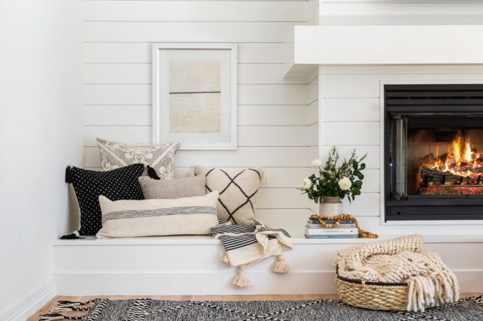 Cozy + Comfortable: How to Decorate with Pillows